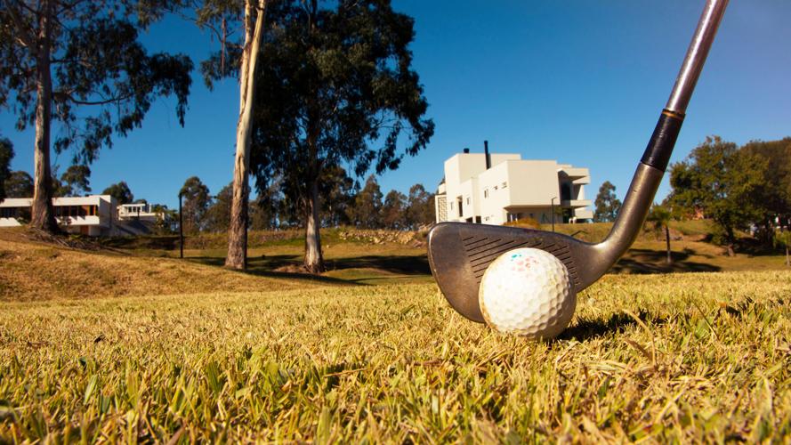 O Monterey - Esportes - Mini campo de Golfe